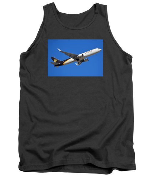 Ups Boeing 767-34af N332up Phoenix Sky Harbor January 12 2015 Tank Top