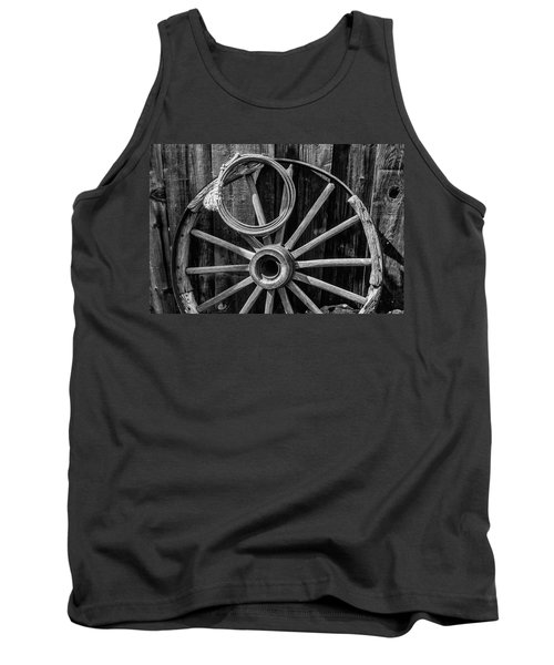 Western Rope And Wooden Wheel In Black And White Tank Top