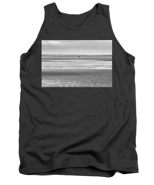 Coastal Brown Bear On  A Beach In Monochrome Tank Top