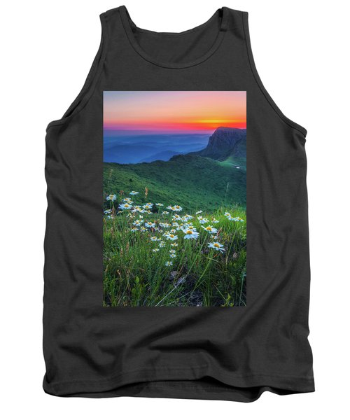 Daisies In The Mountain Tank Top