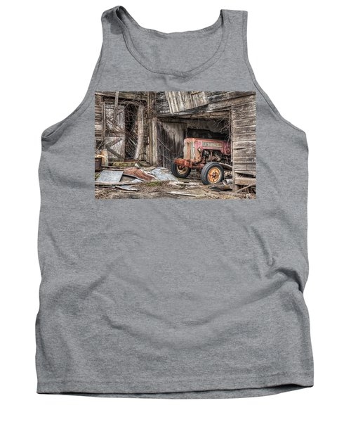 Comfortable Chaos - Old Tractor At Rest - Agricultural Machinary - Old Barn Tank Top