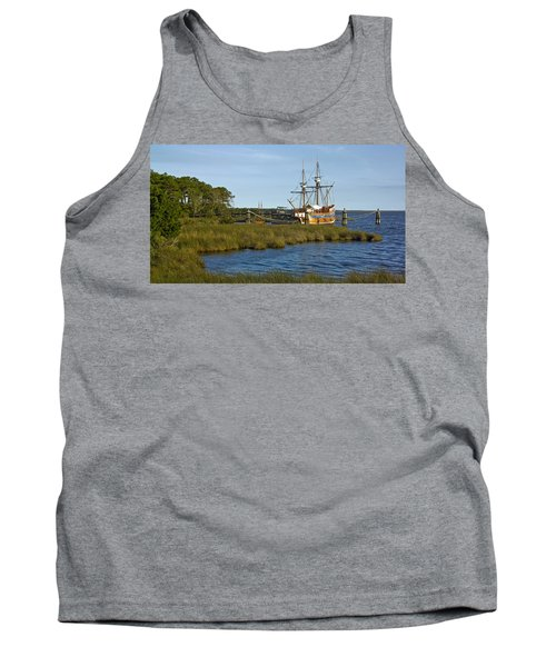 Tank Top featuring the photograph Elizabeth II In Port  by Greg Reed