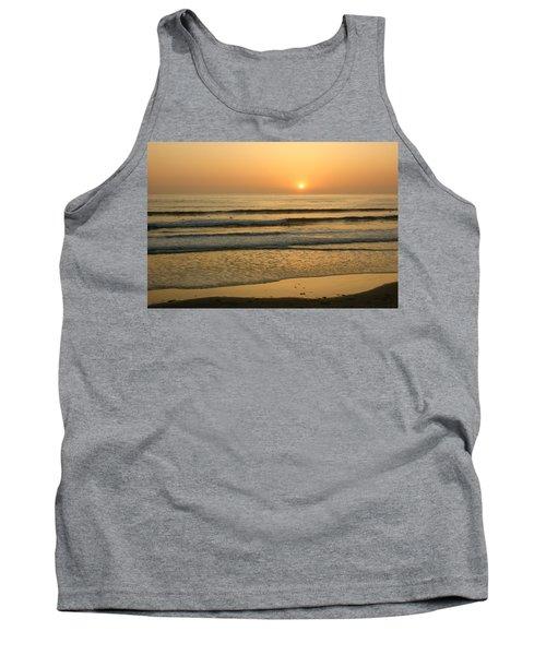 Golden California Sunset - Ocean Waves Sun And Surfers Tank Top