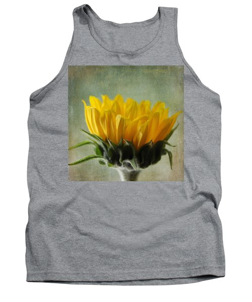 Just Opening Sunflower Tank Top