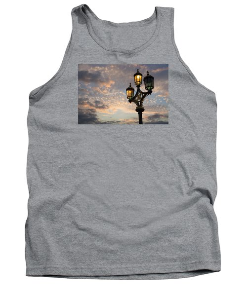 One Light Out - Westminster Bridge Streetlights - River Thames In London Uk Tank Top
