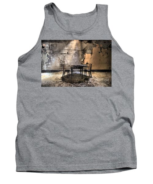 Table 4 Two Tank Top