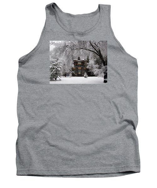 Winter At The Ahwahnee In Yosemite Tank Top by Carla Parris