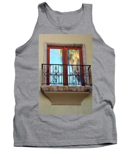 Outer Reflection Tank Top