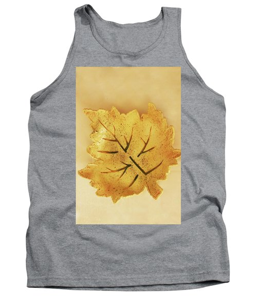 Tank Top featuring the photograph Leaf Plate2 by Itzhak Richter