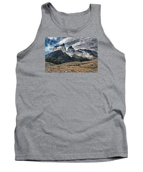 Cuernos Del Paine Tank Top