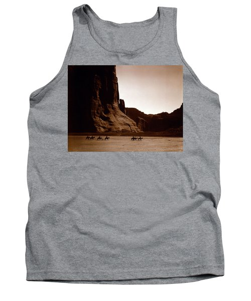 Canyon De Chelly 2c Navajo Tank Top