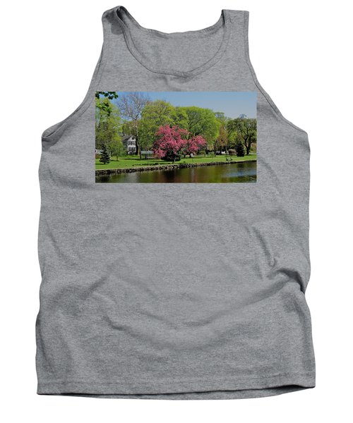 Tank Top featuring the photograph Connecticut by John Scates