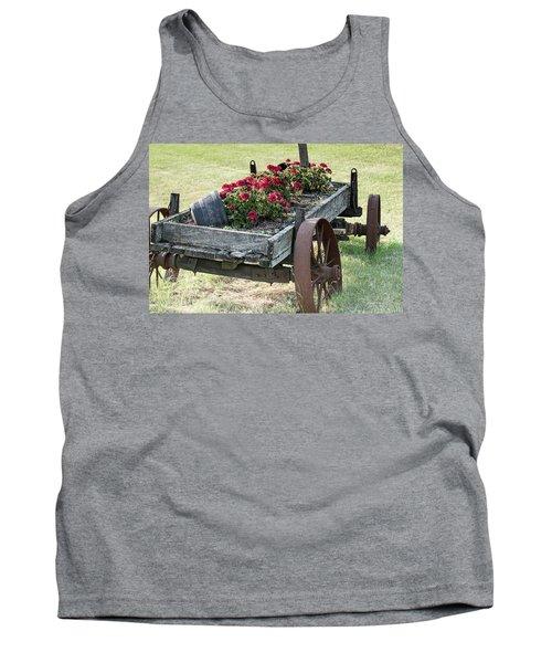 Front Yard Decor Tank Top