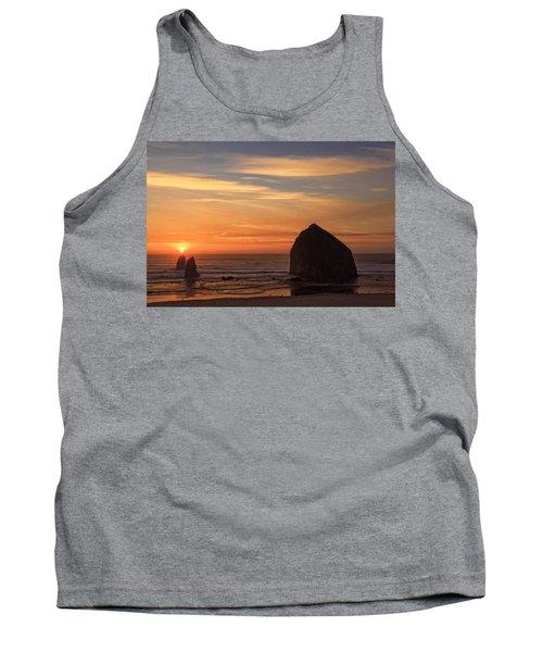 Haystack Rock Ocean Sunset, Cannon Beach, Oregon Tank Top