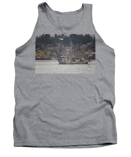 Tank Top featuring the photograph Kwiaahwah by Randy Hall