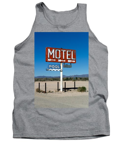 Motel Sign On I-40 And Old Route 66 Tank Top