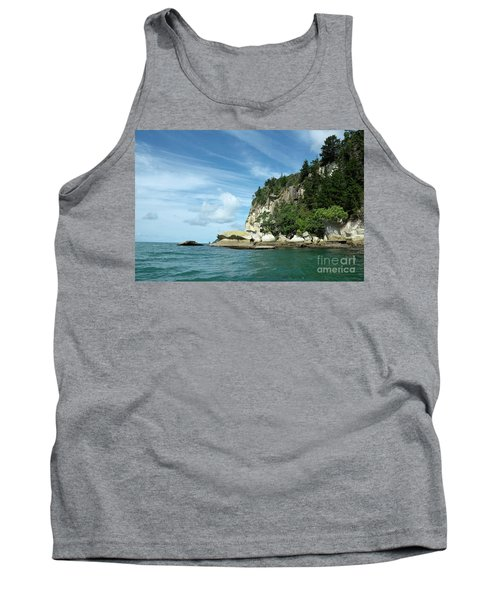 Tank Top featuring the photograph New Zealand Beauties by Yurix Sardinelly