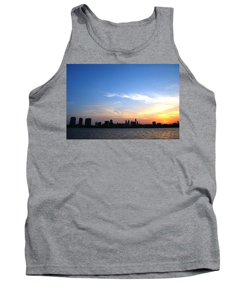 Philadelphia Skyline Low Horizon Sunset Tank Top