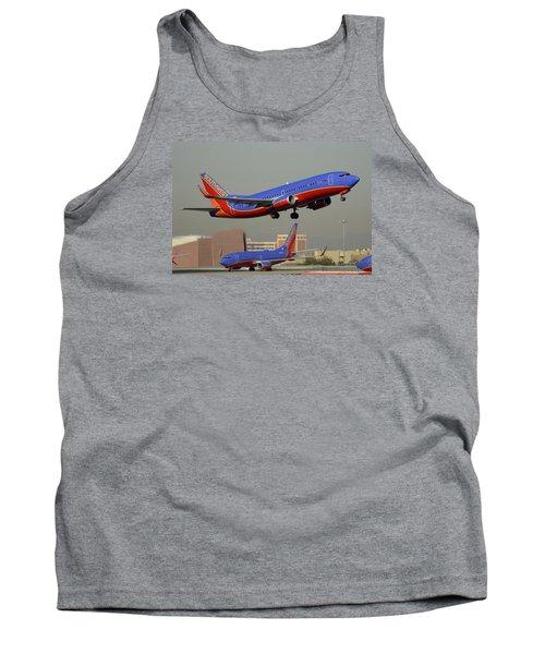 Southwest Boeing 737-3h4 N392sw Phoenix Sky Harbor December 2 2015 Tank Top