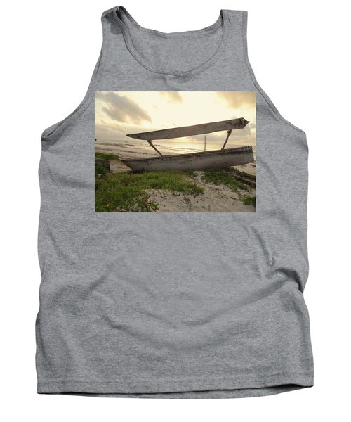Sun Rays And Wooden Dhows Tank Top