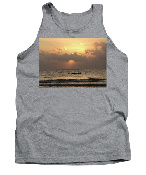 Sun Rays On The Water With Wooden Dhows Tank Top