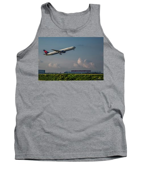 Sunset Glow Delta Airlines Jet N839mh Hartsfield Jackson International Airport Art Tank Top