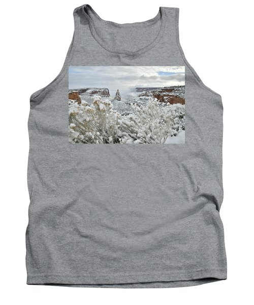 Beautiful Snow Morning Along Rim Rock Drive Tank Top
