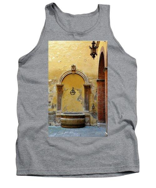 Sienna Fountain Courtyard Tank Top