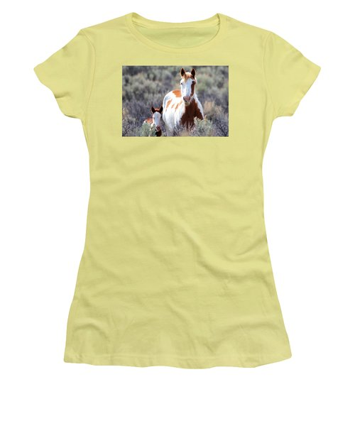 Momma And Baby In The Wild Women's T-Shirt (Athletic Fit)