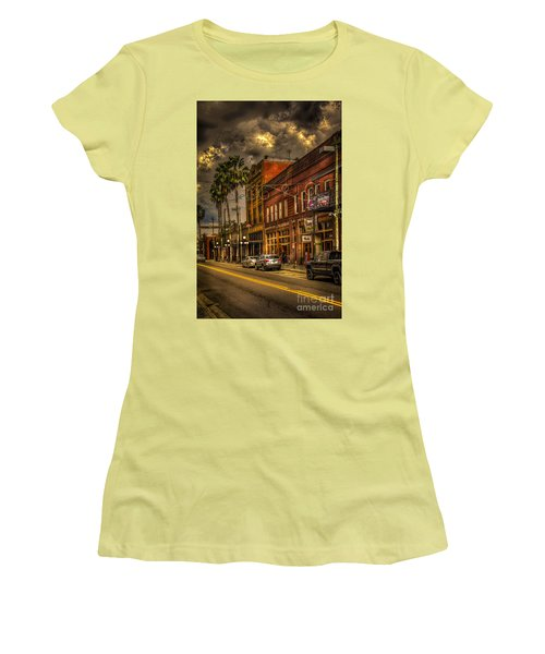 7th Avenue Women's T-Shirt (Athletic Fit)