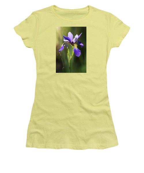 Artsy Iris Women's T-Shirt (Athletic Fit)