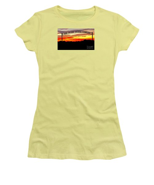 Beautiful Sunset And Emmett Sport Comples Women's T-Shirt (Athletic Fit)