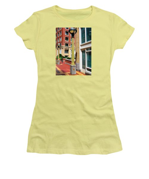 Boston Interior Women's T-Shirt (Athletic Fit)