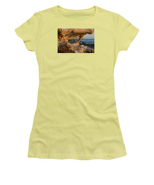 Bowling Ball Beach Framed In Driftwood Women's T-Shirt (Athletic Fit)