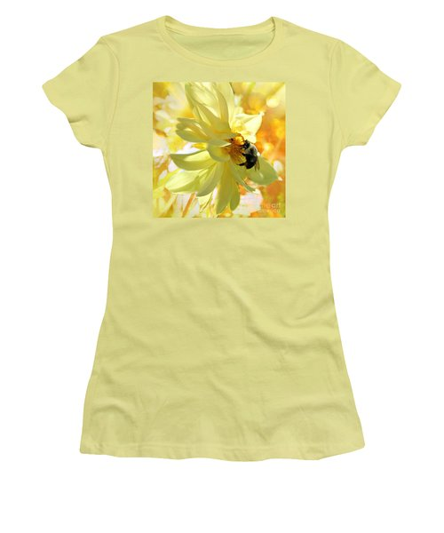 Busy Bumble Bee Women's T-Shirt (Athletic Fit)