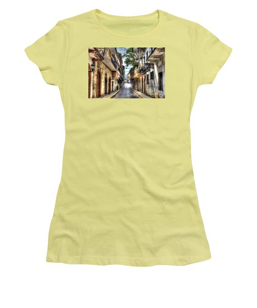 Calle 8a Este Women's T-Shirt (Athletic Fit)