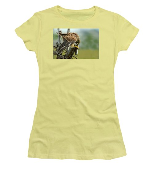 Captured II Women's T-Shirt (Athletic Fit)