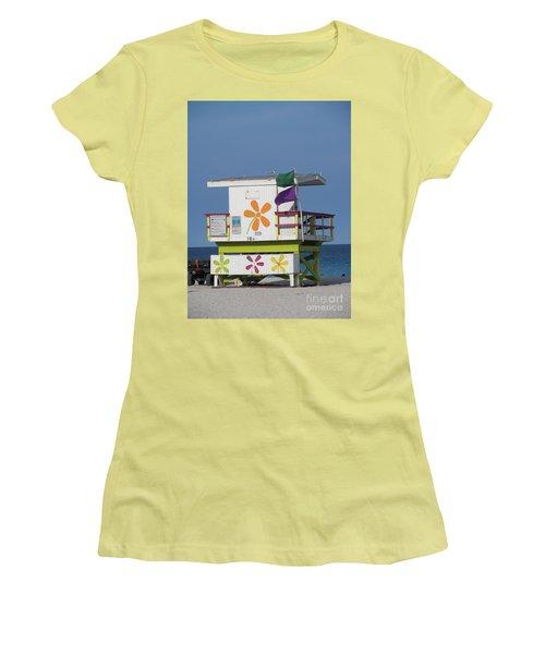 Casita De Playa Women's T-Shirt (Athletic Fit)