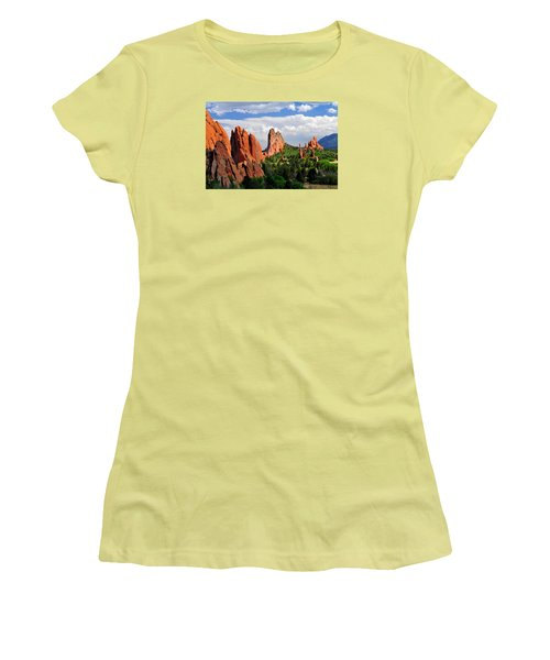 Central Garden Of The Gods Park Women's T-Shirt (Athletic Fit)