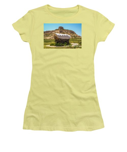 Women's T-Shirt (Athletic Fit) featuring the photograph Covered Wagon At Scotts Bluff National Monument by Sue Smith