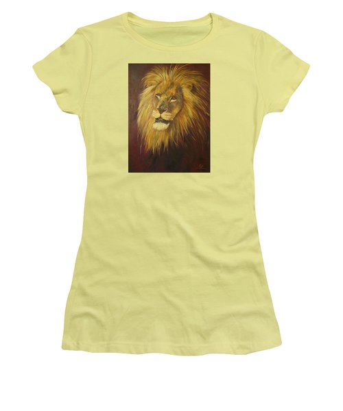 Crown Of Courage,lion Women's T-Shirt (Athletic Fit)