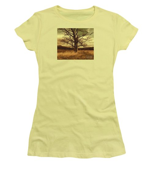 Dormant Beauty Women's T-Shirt (Athletic Fit)