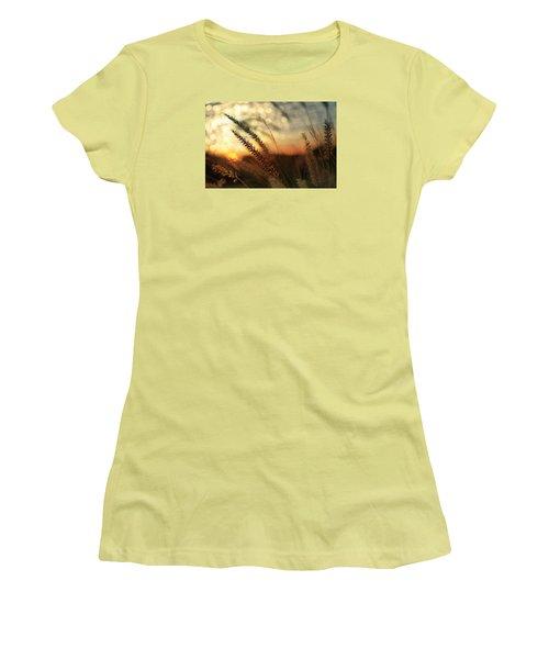 Dune Women's T-Shirt (Junior Cut) by Laura Fasulo