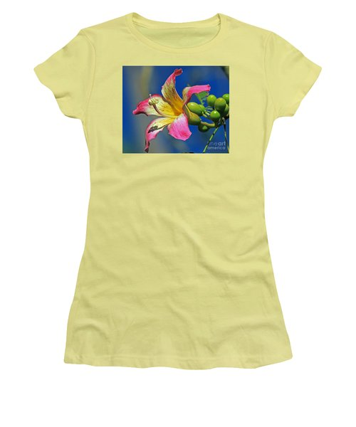 Floss Silk Bloom Women's T-Shirt (Athletic Fit)