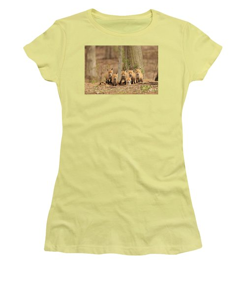 Fox Family Portrait Women's T-Shirt (Athletic Fit)
