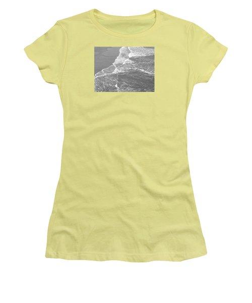 Galveston Tide In Grayscale Women's T-Shirt (Junior Cut) by Connie Fox