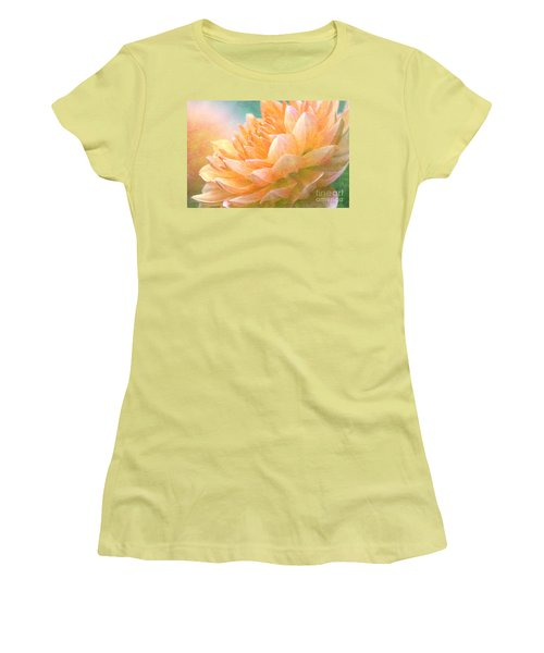 Gently Textured Dahlia  Women's T-Shirt (Athletic Fit)