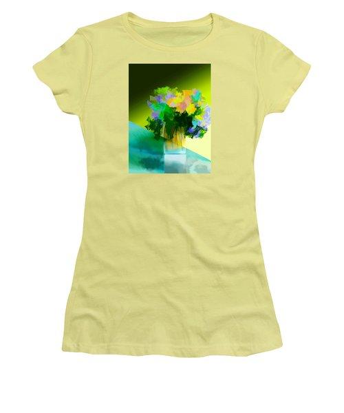 Go Fleur Women's T-Shirt (Athletic Fit)