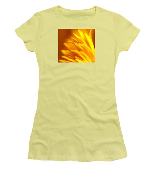 Golden Dahlia Women's T-Shirt (Athletic Fit)