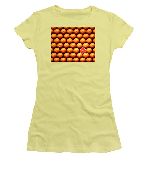 Grapefruit Slice Between Group Women's T-Shirt (Athletic Fit)